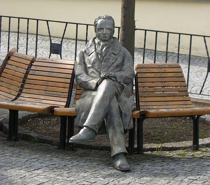 678px-Goethe-Denkmal_in_Ilmenau-2
