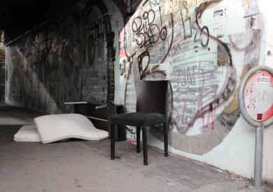 Matratze und Stuhl