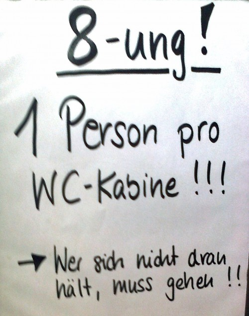 1 Person pro WC-Kabine