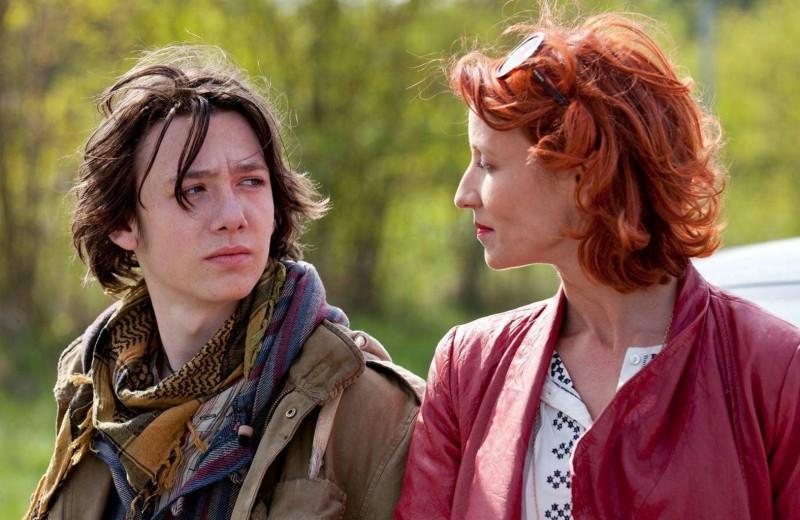 Der depressive Flame Vincent (Spencer Bogaert) mit seiner französischen Tante Nicole (Alexandra Lamy). (Bild: zVg)