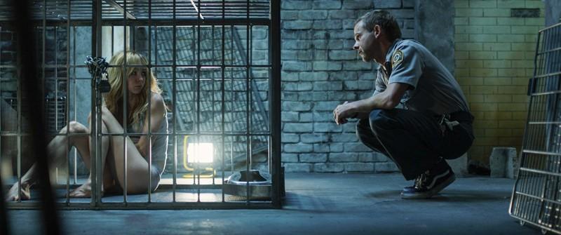 Wer sitzt hier wirklich im Käfig? Seth ist noch unsicher. (Bild: zVg)